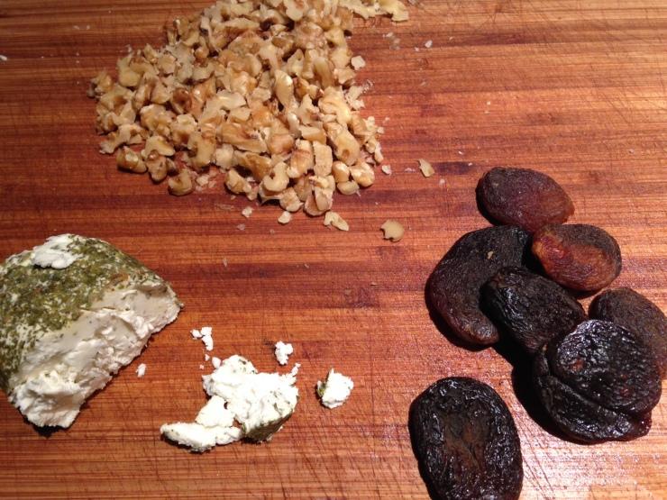 Goat cheese walnut apricot