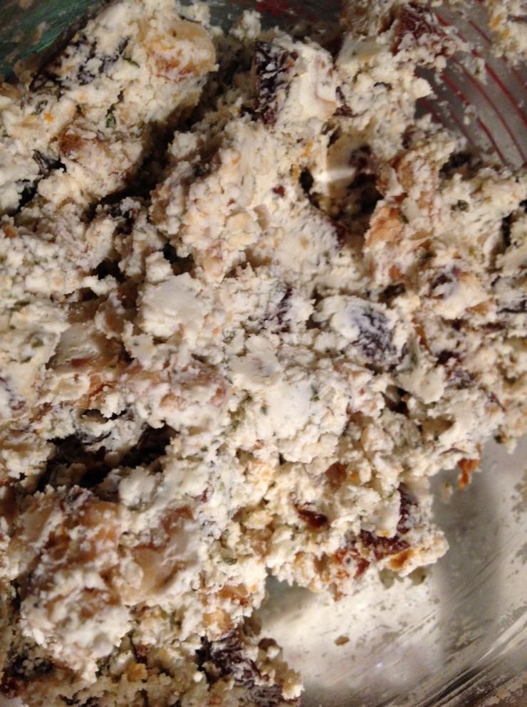 Goat cheese walnut apricot2